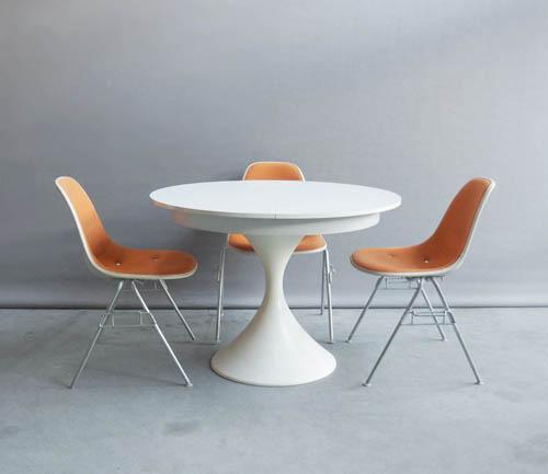 Witte Eettafel Design.Witte Eettafel Met Verlengstuk En Wit Plastic Trompetvoet